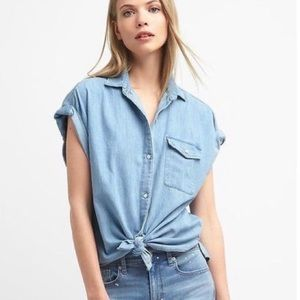 GAP | Rolled Sleeve Denim Chambray Button down top